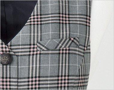 ペンなどの収納に便利な左胸ポケット