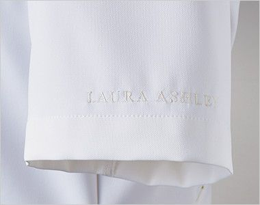 LW601 ローラ アシュレイ 半袖ナースジャケット(女性用) ロゴ刺繍