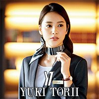 ファッションデザイナーのユキトリイがデザイナーのオフィスウェア