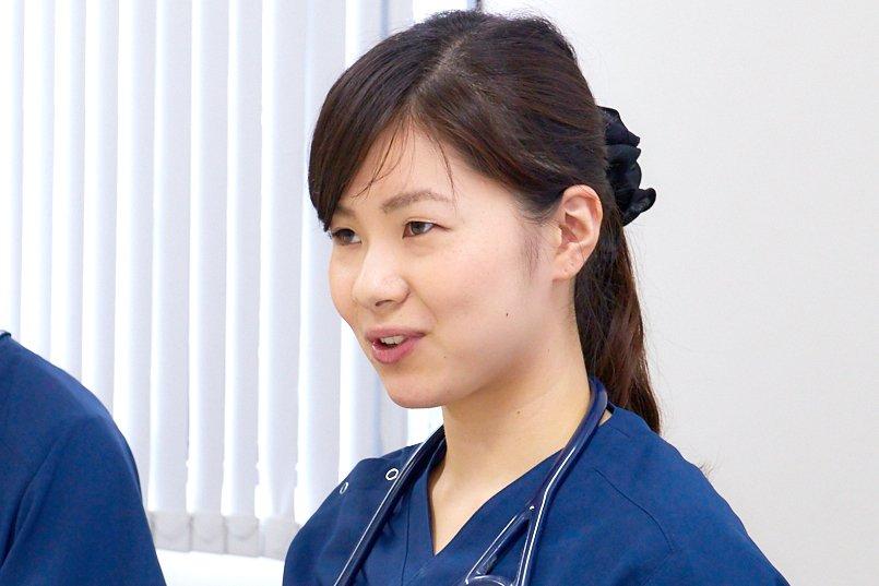 研修医の山田先生